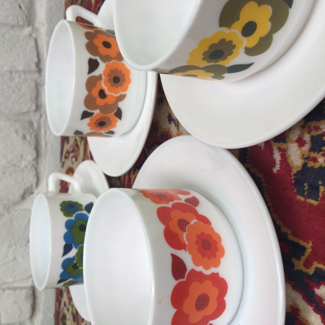 Vintage Arcopal kopjes