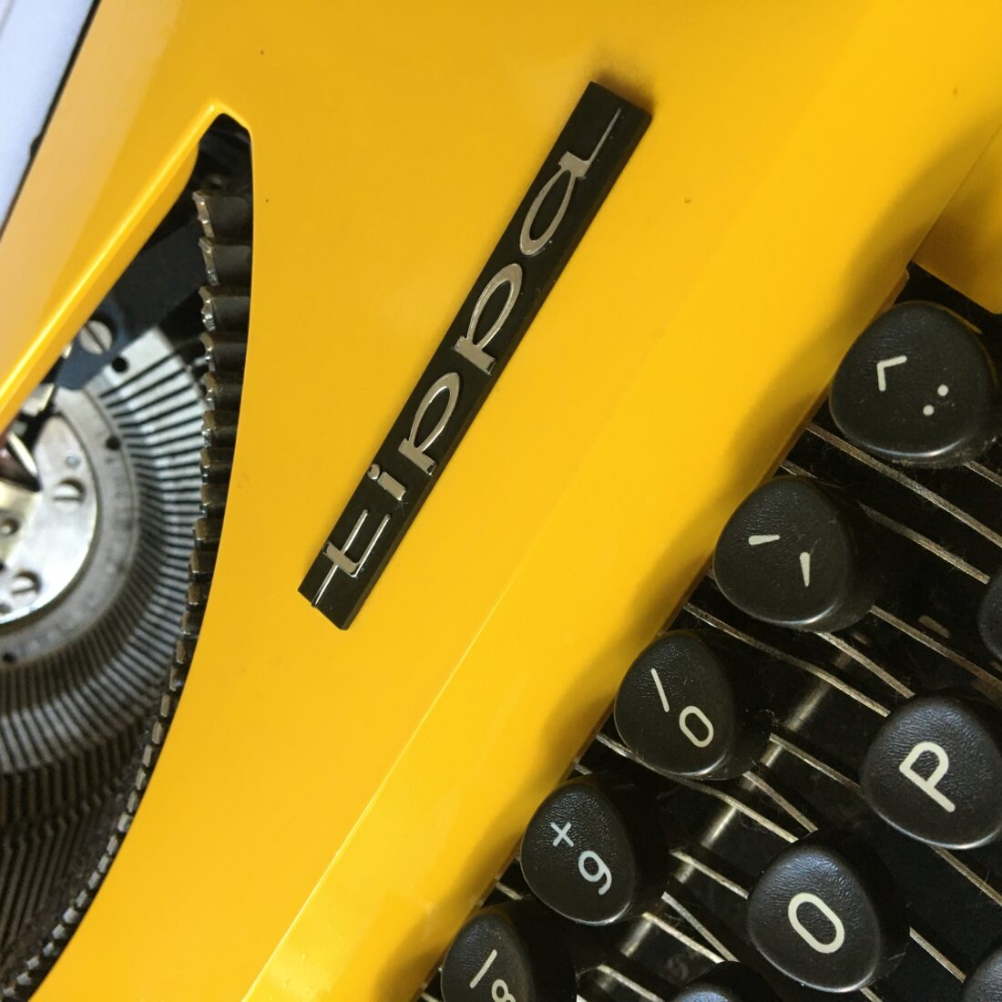 Vintage Triumph typemachine