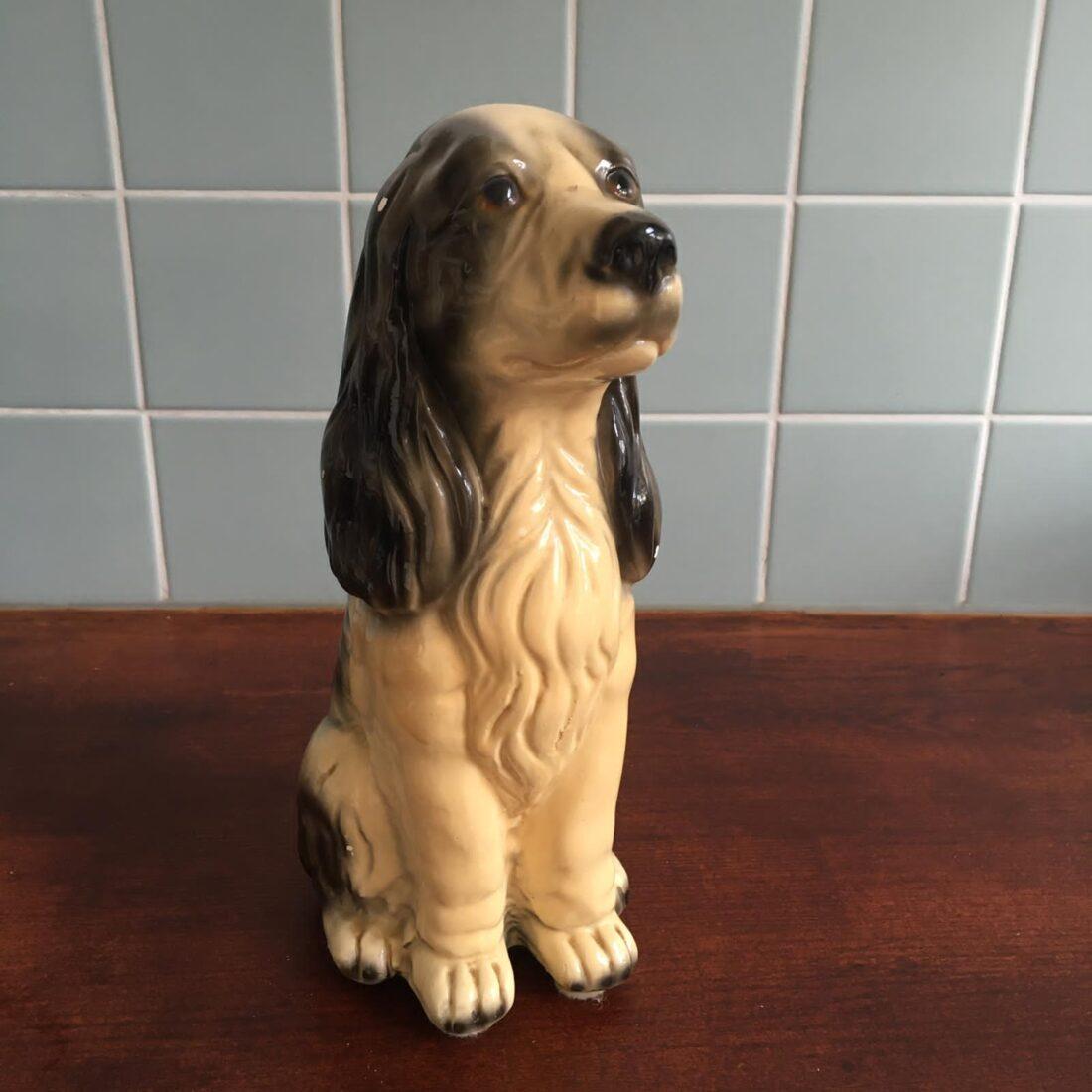Vintage hond keramiek donkerbruin