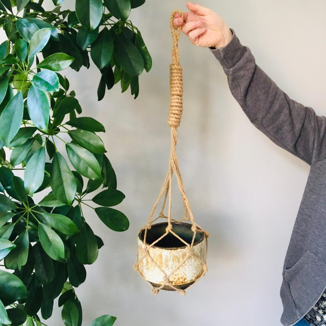 Vintage Macrame plantenhanger met pot