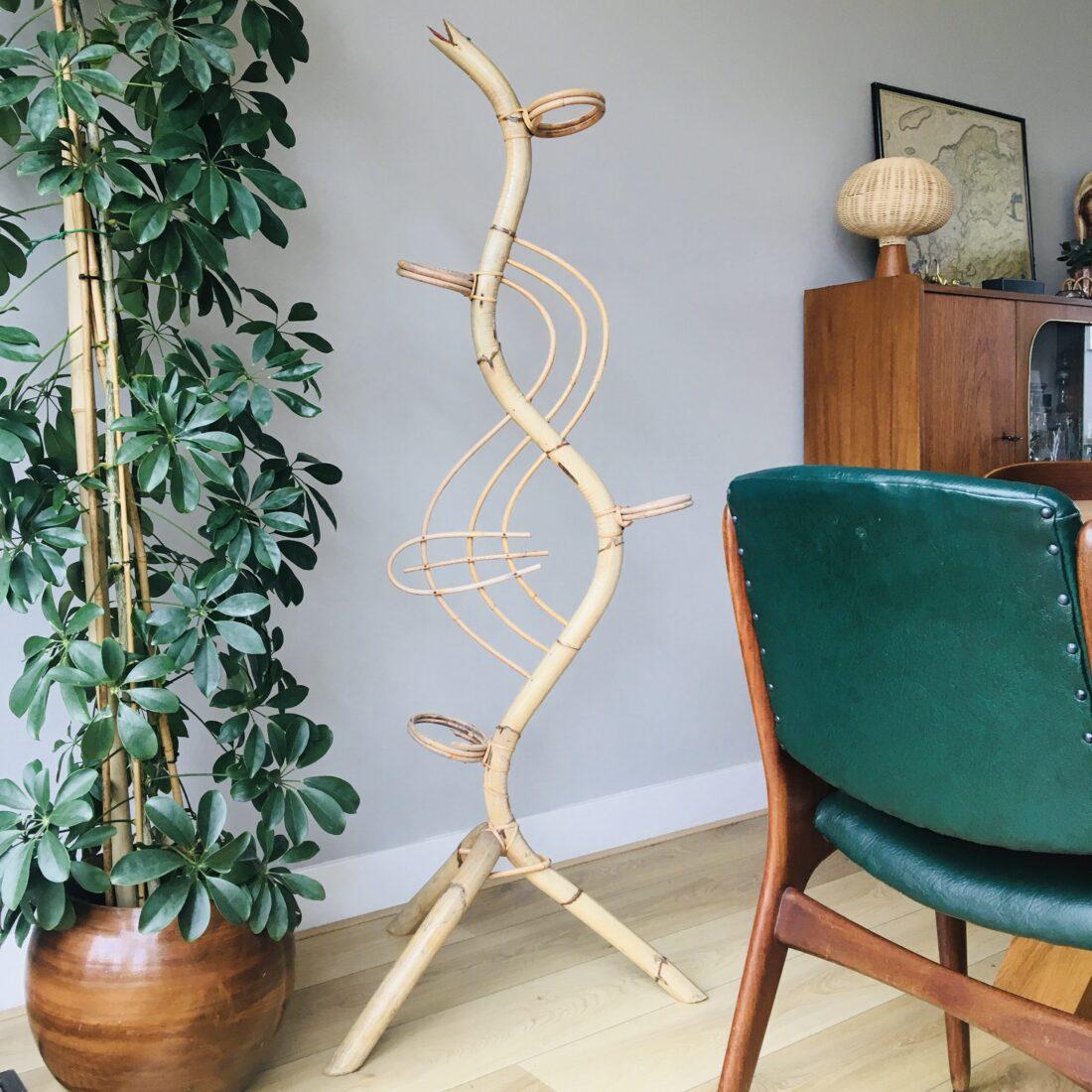 Vintage rotan plantenstandaard slang