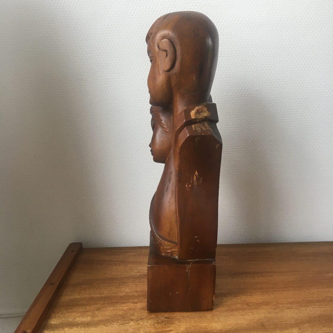 Vintage houten beeld jongen en meisje