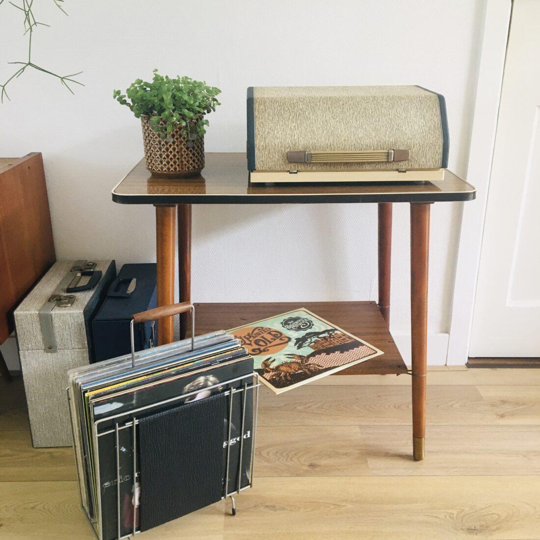 Vintage bijzettafel plantentafel