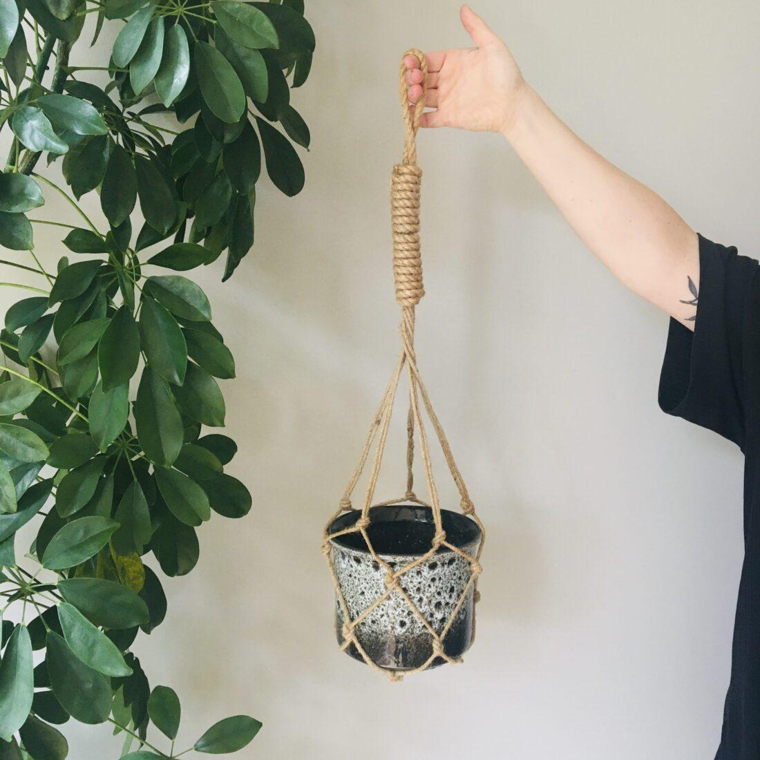 Vintage macramé bloempot hanger