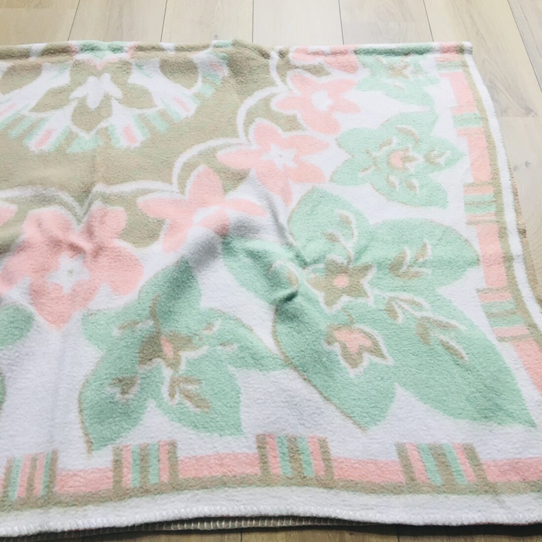 Vintage pastel wollen deken